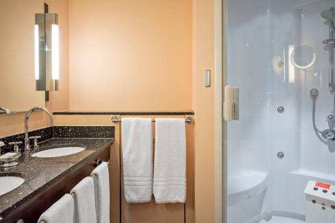 Kleine Wellness Badkamer : Luxe cleopatra wellness badkamer in een spa hotel von cleopatra bv