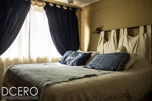 Casa habitacion Cerrillo 114m2: Dormitorios de estilo clásico por Dcero Arquitectura