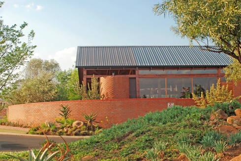 Exterior view:  Single family home by Hugo Hamity Architects