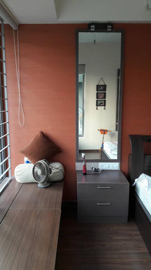 Ghatkopar residence: modern Bedroom by Rennovate Home Solutions pvt ltd