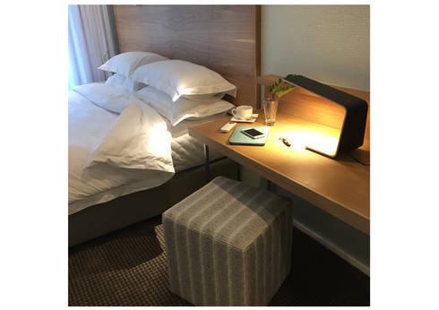 Guesthouse bedroom 4: modern Bedroom by MINIM INTERIOR DESIGN