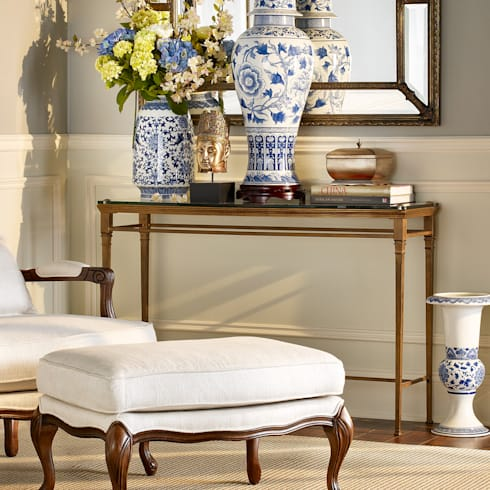 Castleton Console: classic Living room by Bombay Canada