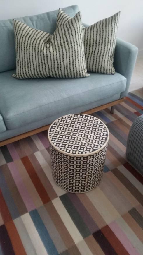Living room: modern Living room by MINIM INTERIOR DESIGN