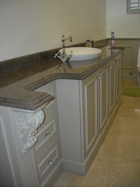 Powder Room Vanity: eclectic Bathroom by CKW Lifestyle