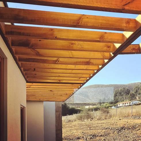 Vivienda Lt37 Premium 115m2 Fundo Loreto.: Casas unifamiliares de estilo  por Territorio Arquitectura y Construccion