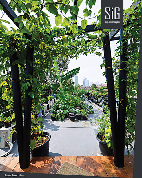 Rumah Beranda – Green Boarding House:  Pondok taman by sigit.kusumawijaya   architect & urbandesigner