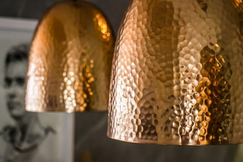Project: Copperhead, Cape Town: modern Living room by de Beyer Design Studio