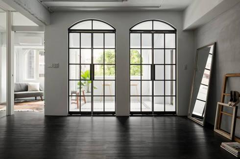 Major D Studio:  玻璃門 by Studio In2 深活生活設計