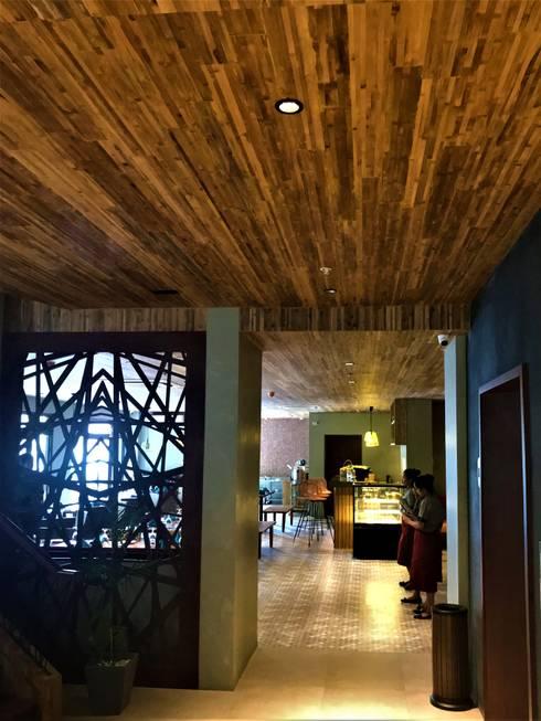 Hotel Lobby:  Hotels by Bambuwerks
