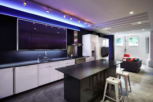 Karr Pad: modern Kitchen by KUBE Architecture