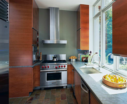 Riggs Place Residence: modern Kitchen by KUBE Architecture