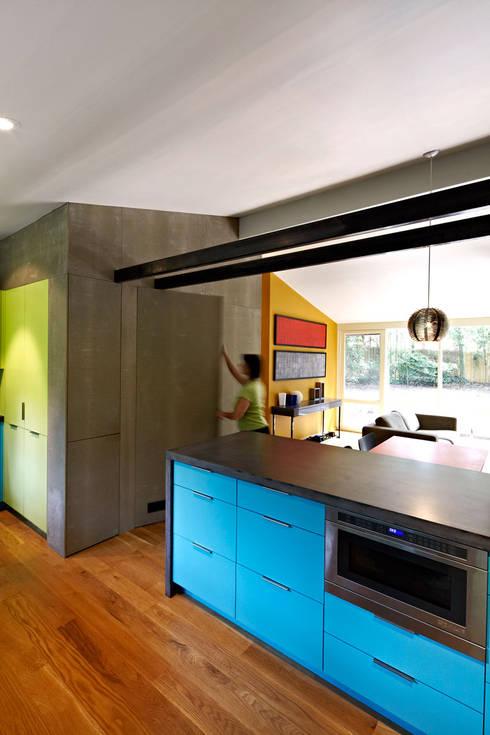 Architects Modern: modern Kitchen by KUBE Architecture