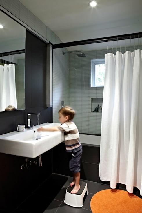 Architects Modern: modern Bathroom by KUBE Architecture