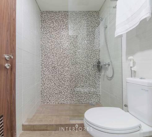 Shower Area:  Kamar Mandi by INTERIORES - Interior Consultant & Build