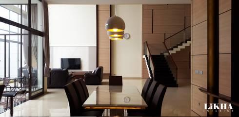 Dining Area:  Ruang Makan by Likha Interior