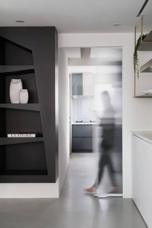 12.F:  廚房 by 寓子設計