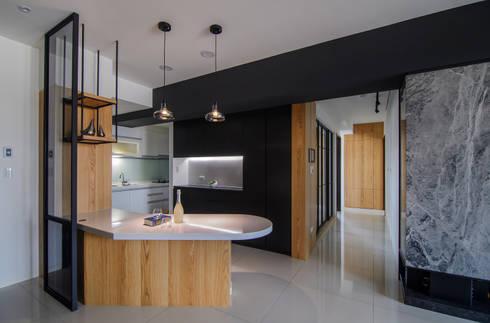 輕工業裡的北歐:  餐廳 by 愛上生活室內設計