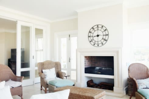 Saddlebrook Estate: classic Living room by Vision Tribe