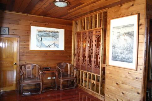 客廳  明式黃花梨圈椅家具:  客廳 by 安居屋有限公司
