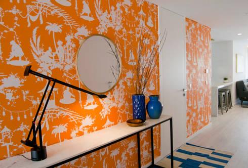 Apartamento Matosinhos: Corredores e halls de entrada  por Tangerinas e Pêssegos