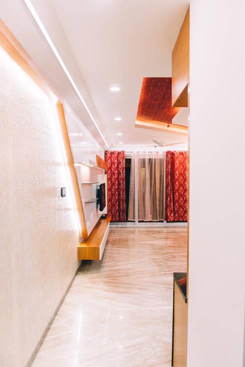 Living Room - Origami Spaces(Origamispaces.com):  Living room by Origami Space Design