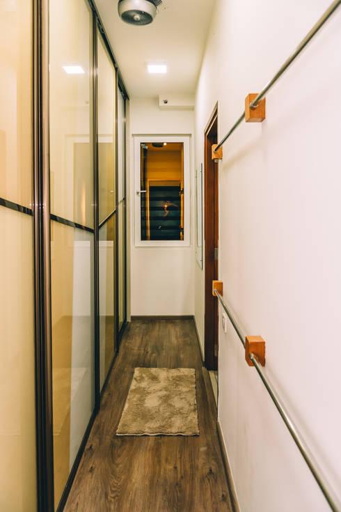 Sliding Acrylic bedroom Wardrobe - Origami Spaces(Origamispaces.com) : modern Bedroom by Origami Space Design