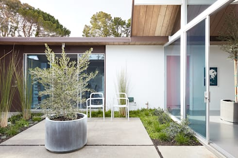 Burlingame Eichler Remodel Klopf Architecture: modern Houses by Klopf Architecture