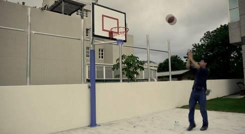 私家籃球場:  健身房 by 日常鉄件製作所