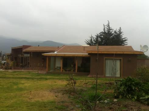 CASA HF: Casas de estilo rústico por arquiroots