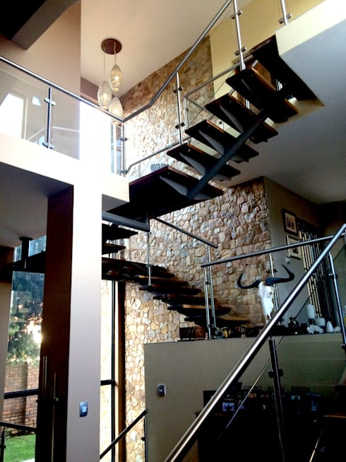 Interior view of staircase:  Stairs by Nuclei Lifestyle Design