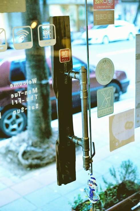 復古 工業風 咖啡店-蔽所咖啡 Bison Cafe :  酒吧&夜店 by 艾莉森 空間設計