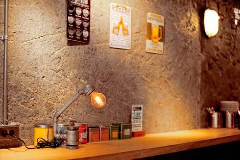 工業風 藝術燈:  藝術品 by 艾莉森 空間設計