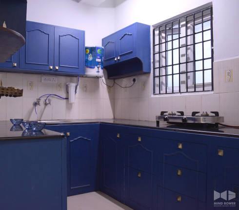 N duplex: classic Kitchen by Mind bower Interior design studio