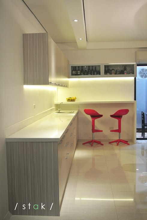 Bar - Project 6 Quezon City:   by Stak Modern Kitchens