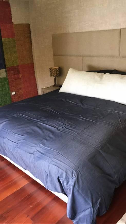 Dormitorio en Sebucan, Caracas: Dormitorios de estilo  por THE muebles
