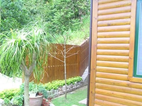 外部圍籬:  牆面 by 地興木屋有限公司