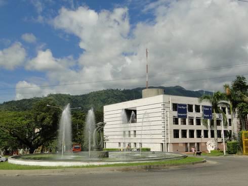 Edificio Cortolima : Edificios de oficinas de estilo  por Polanco Bernal Arquitectos
