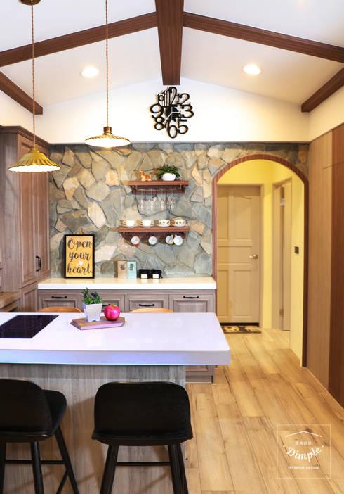 故事的故事-南法鄉村度假小屋:  餐廳 by 酒窩設計 Dimple Interior Design