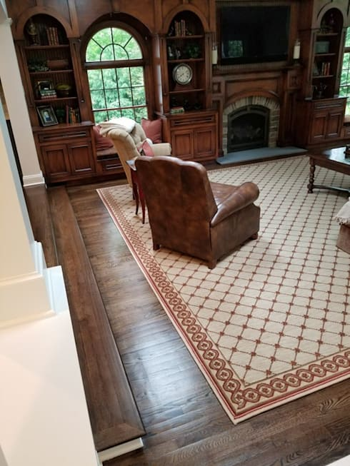classic Living room by Shine Star Flooring