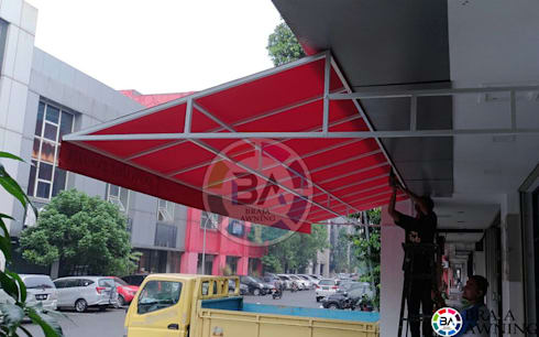 Canopy Kain Jakarta (Canopy Toko Warna Merah):  Balconies, verandas & terraces  by Braja Awning & Canopy