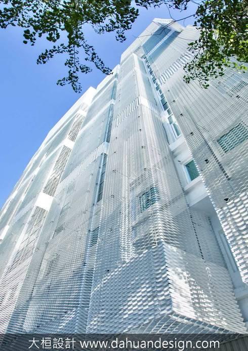 大桓建築設計   台中   卡爾登飯店:  飯店 by 大桓設計顧問有限公司