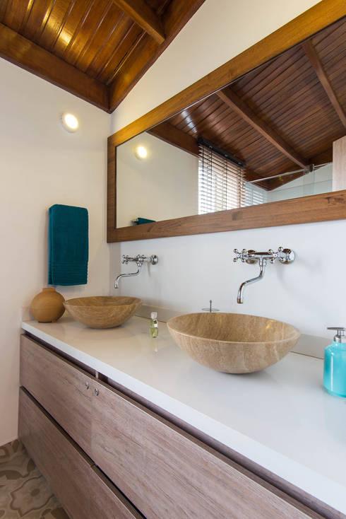 Sotileza: Baños de estilo  por ARCE S.A.S