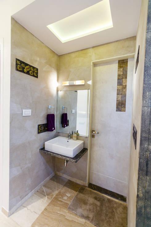 GB Road, Thane:  Bathroom by aasha interiors