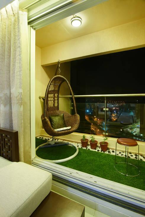 Majiwada, Thane:  Terrace by aasha interiors