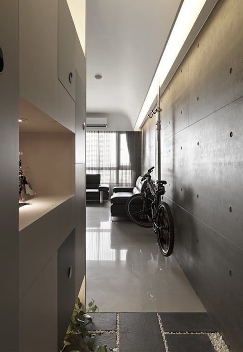 質樸中透出內斂的時尚:  走廊 & 玄關 by 禾光室內裝修設計 ─ Her Guang Design
