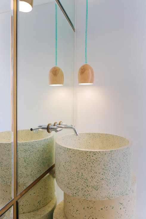 Seascape Villa Guest Bathroom : tropical Bathroom by Word of Mouth House