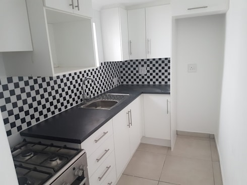 Flatlet renovation in Westdene Johannesburg:   by PTA Builders And Renovators