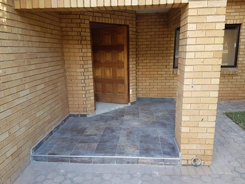 Home renovation in Featherbrooke Estate Krugersdorp:   by PTA Builders And Renovators