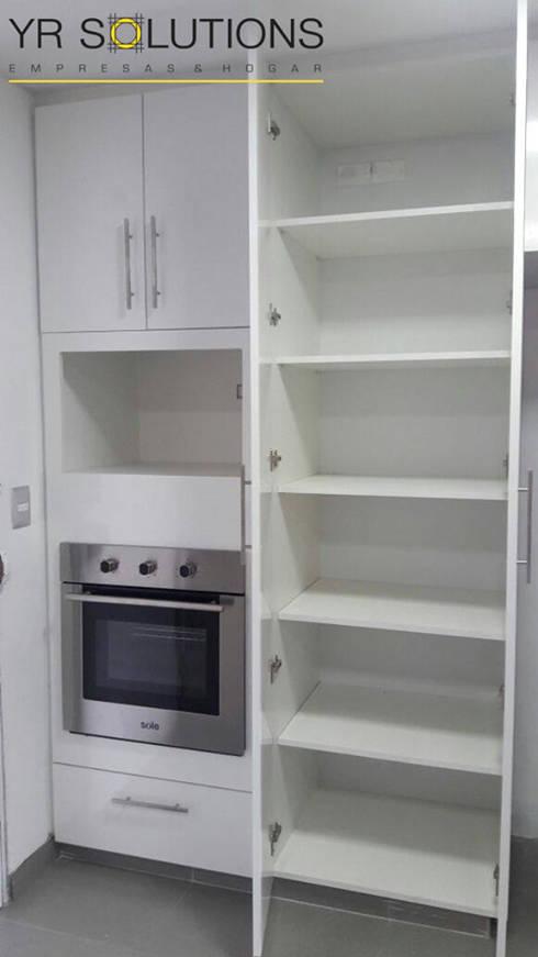 Remodelación Cocina Pardo: Cocinas de estilo moderno por YR Solutions