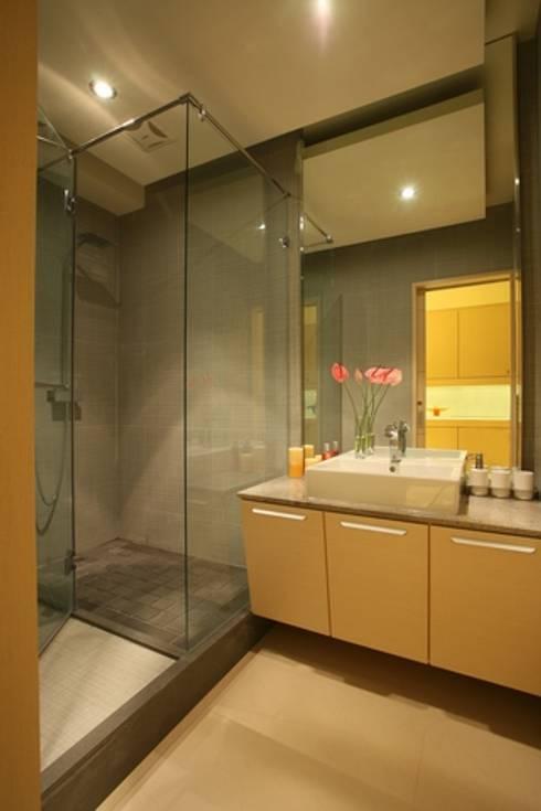 A與A+-蘇醫師:   by 築采設計 - Leve Interior Architects